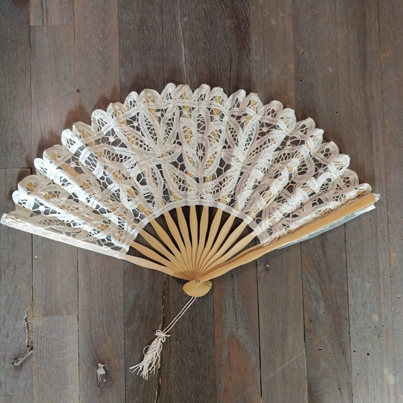 Vintage-Inspired Wood and Lace Fabric Fan